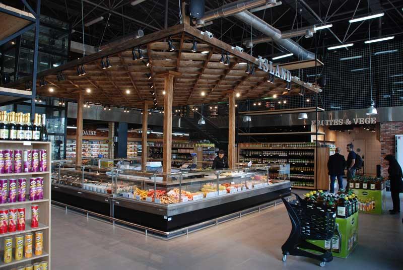 DSC 3202 - نقش جاذبه محیط داخلی فروشگاه بر رفتار مشتری و میزان افزایش فروش